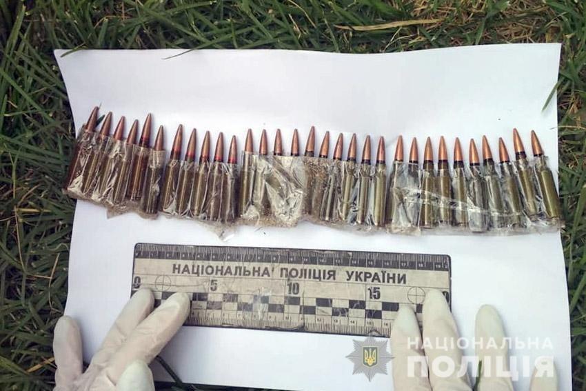 У Хмельницькій області на автовокзалі знаходився чоловік з вибухівкою та боєприпасами , фото-1