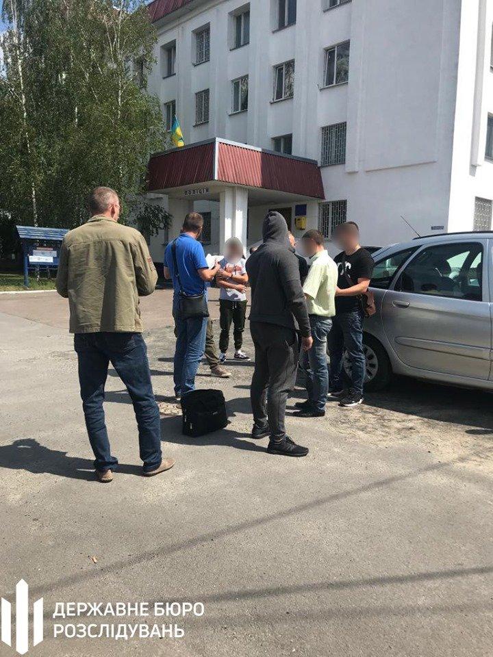Хмельницькі правоохоронці затримали посадовця відділу Нацполіції (фото), фото-2
