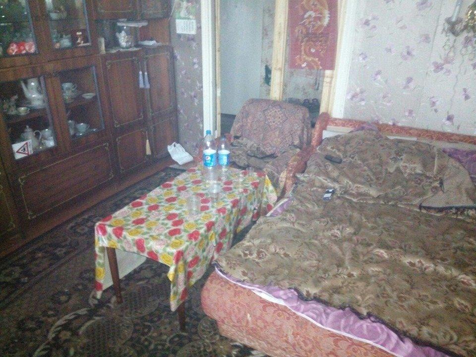 На Хмельниччині дівчина побила та пограбувала чоловіка, фото-1