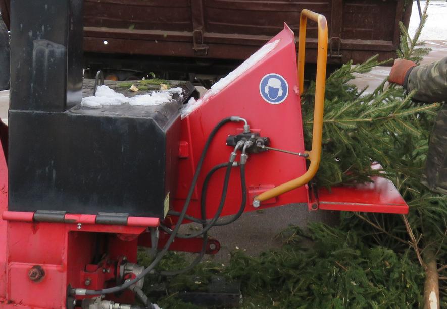 У Хмельницькому щепою від ялинок опалюватимуть приміщення лазні та притулку для тварин, фото-1