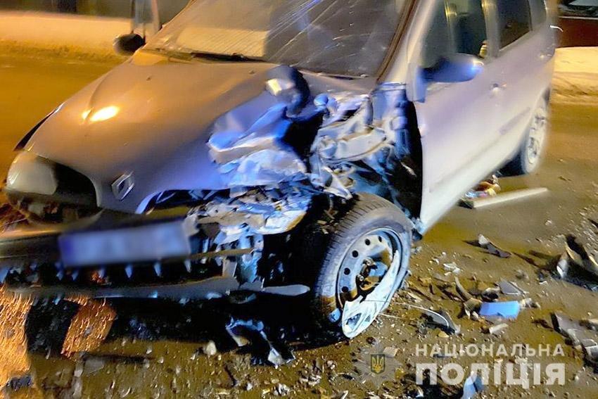 На Хмельниччині поліцейські встановлюють обставини двох ДТП, у яких травмувалися четверо осіб, фото-1