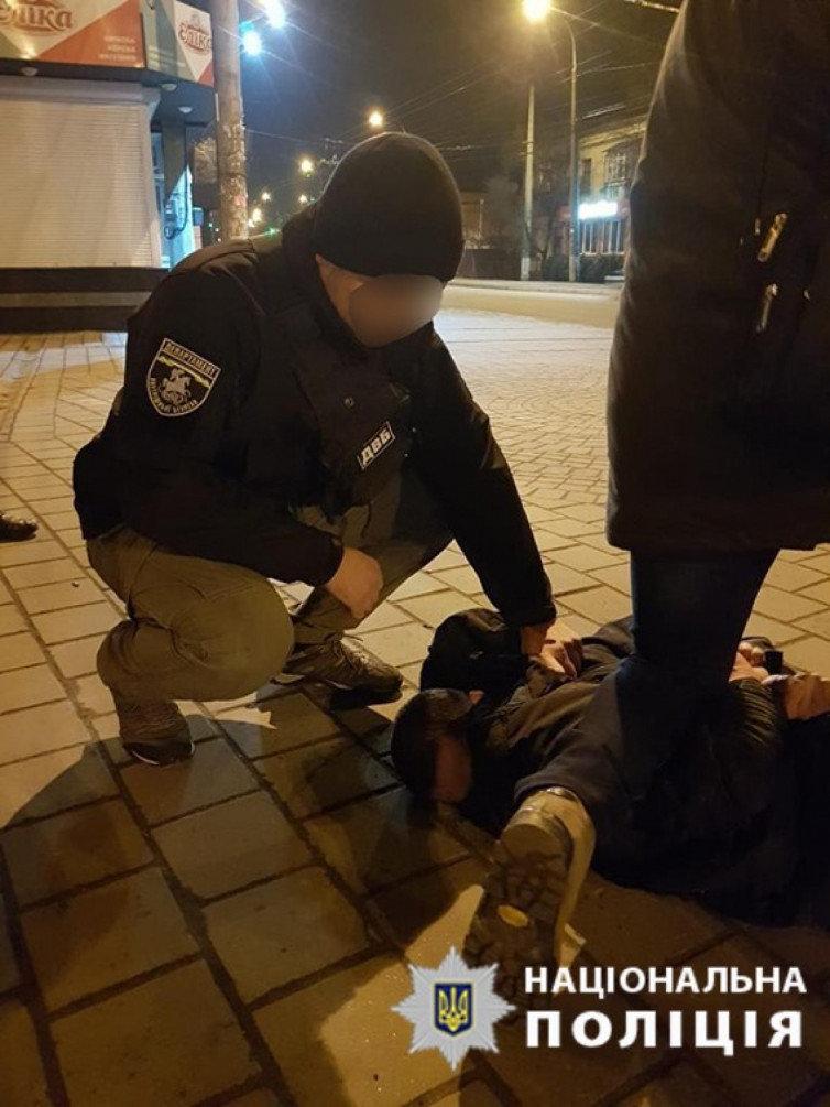 У Хмельницькому затримано «гастролюючих» псевдополіцейських (ФОТО), фото-2