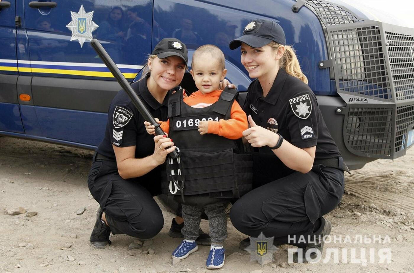 26% від усіх працівників поліції Хмельниччини складають жінки (фото), фото-5