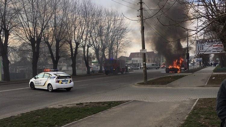 У Хмельницькому біля автовокзалу згоріла вантажівка (фото, відео, оновлено), фото-4