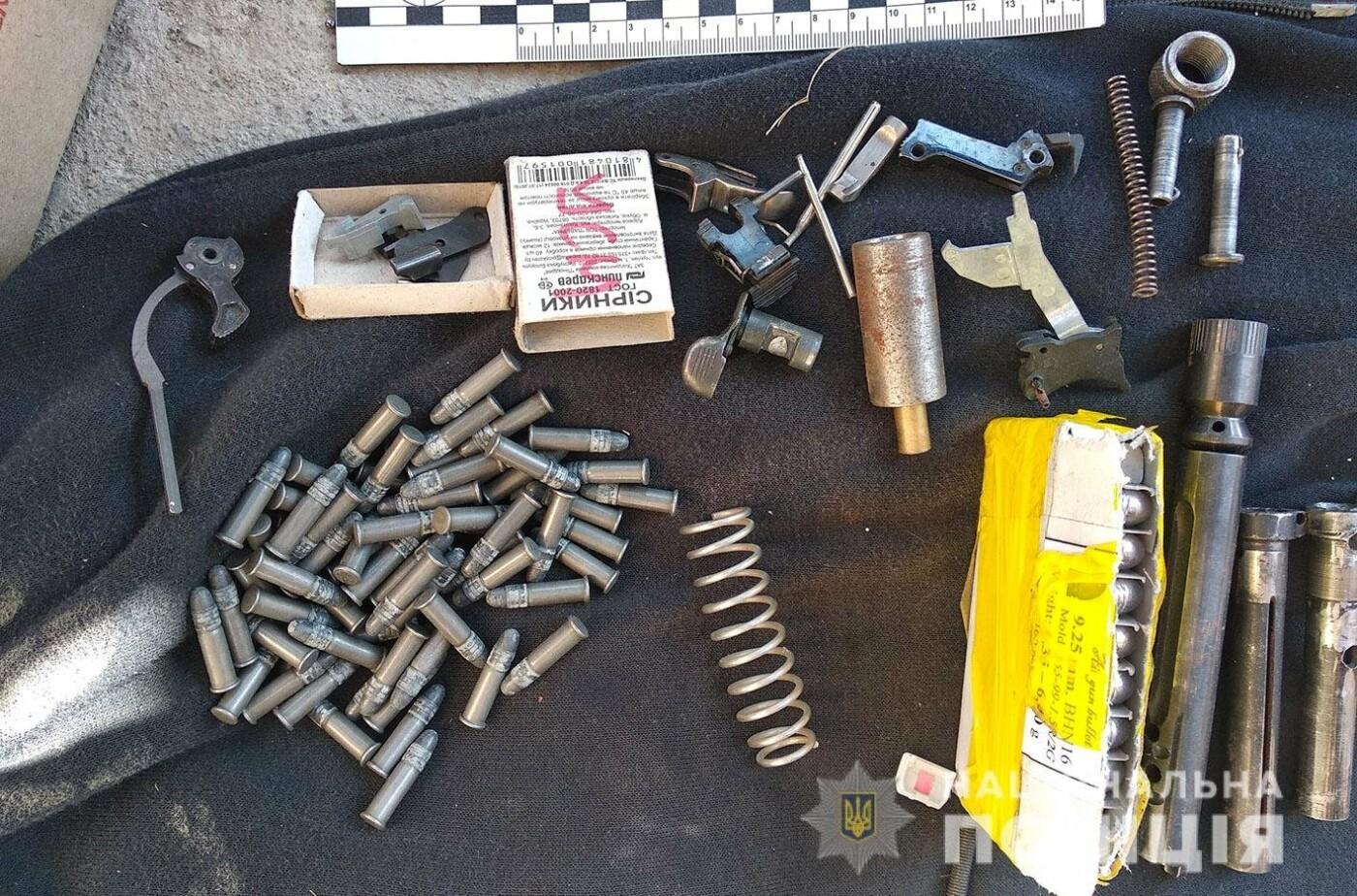 На Хмельниччині зловмисники виготовлювали та збували вогнепальну зброю та боєприпаси , фото-6