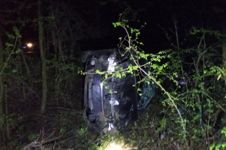 На Хмельниччині автівка злетіла в кювет, фото-1