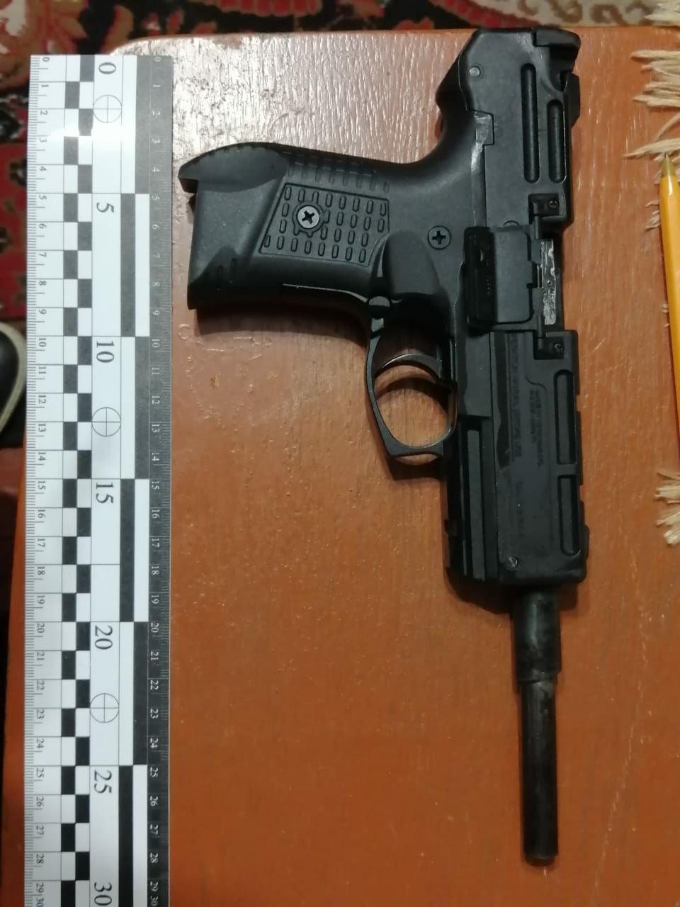 Правоохоронці Хмельниччини затримали торговця вогнепальної зброї та боєприпасів (ФОТО), фото-1