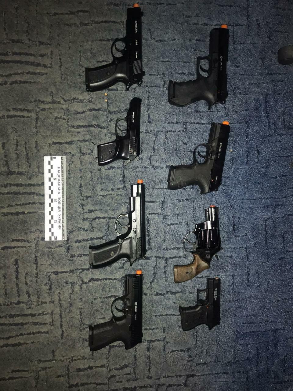 Правоохоронці Хмельниччини затримали торговця вогнепальної зброї та боєприпасів (ФОТО), фото-2