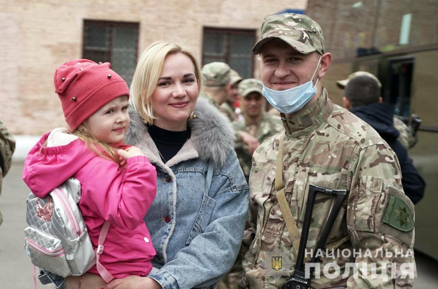Зведений загін хмельницьких поліцейських вирушив у зону проведення Операції Об'єднаних Сил , фото-6
