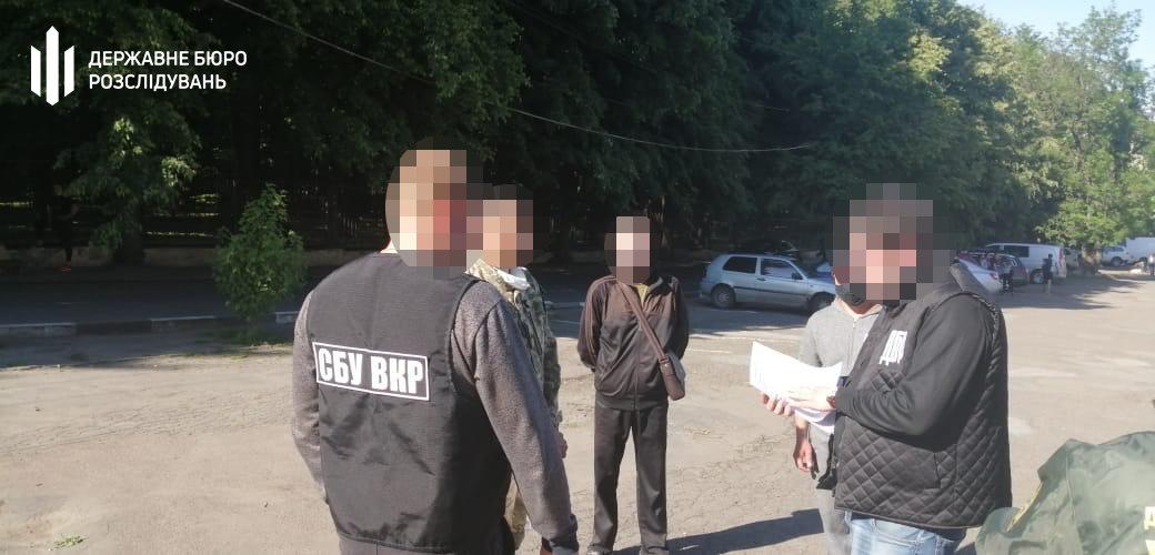 Тютюн до Румунії: хмельницькі правоохоронці затримали прикордонника, фото-3