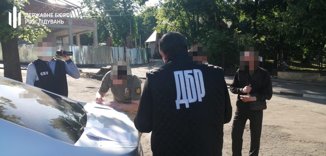 Тютюн до Румунії: хмельницькі правоохоронці затримали прикордонника, фото-4