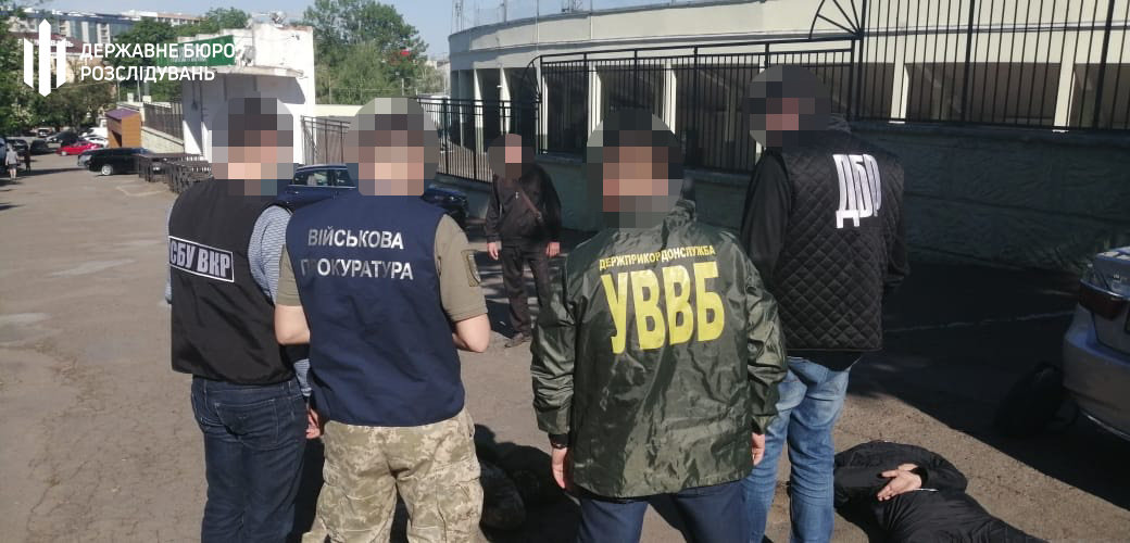 Тютюн до Румунії: хмельницькі правоохоронці затримали прикордонника, фото-5