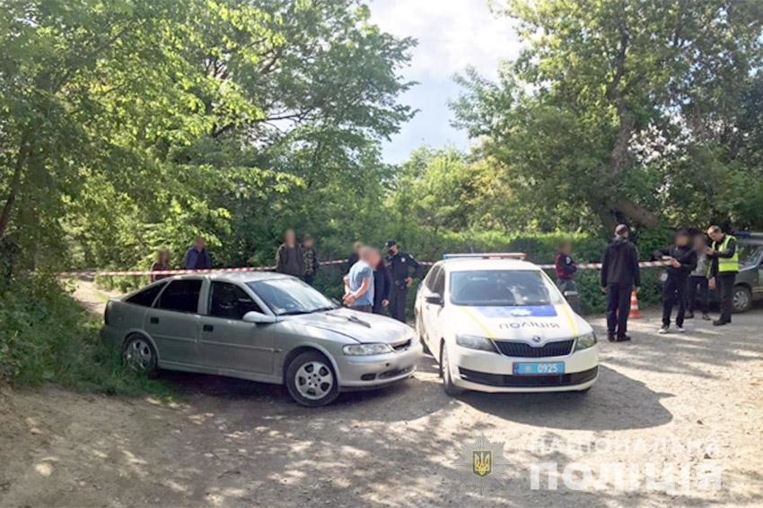 На Хмельниччині водій автомобіля спричинив поліцейському травми та погрожував іншому вбивством , фото-1