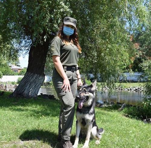 Хмельничанка стала першою дівчиною-кінологом в історії військової частини 3053, фото-4