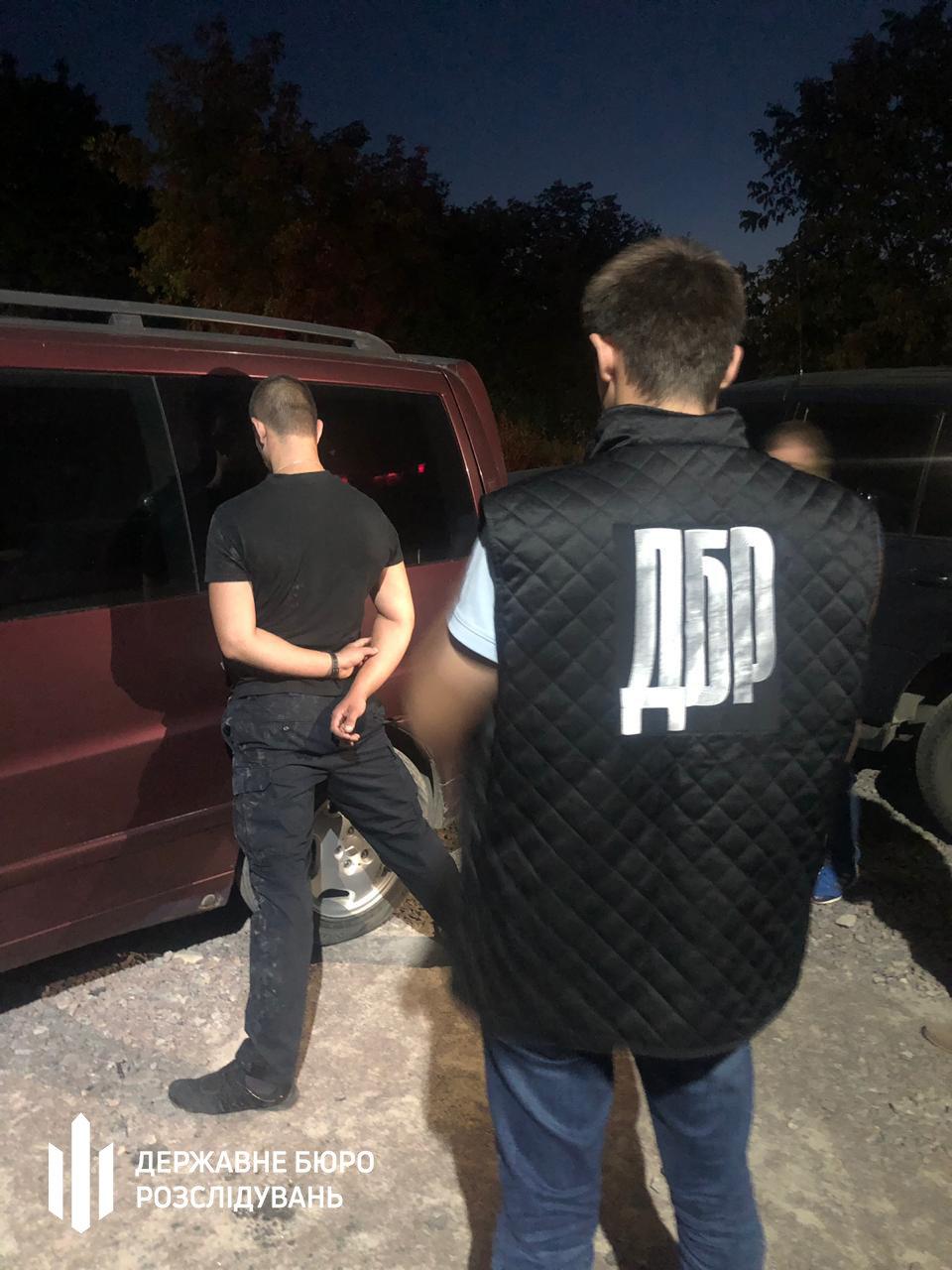 Посадовець Нацполіції продавав наркотики та фальсифікований алкоголь - хмельницькі правоохоронці (ФОТО), фото-7