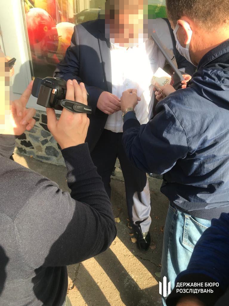 «Злив» інформації: хмельницькі правоохоронці працівника  ДПС затримали «на гарячому» , фото-2
