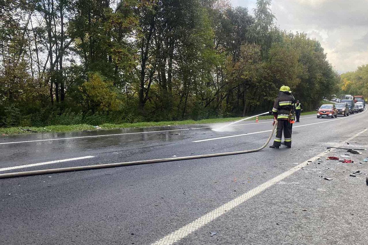 На Хмельниччині в автотрощі травмувалось троє людей , фото-2