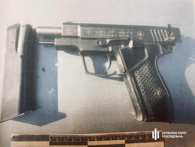 Хмельницькі правоохоронці повідомили про підозру патрульному, який  стріляв у велосипедиста (ФОТО), фото-3