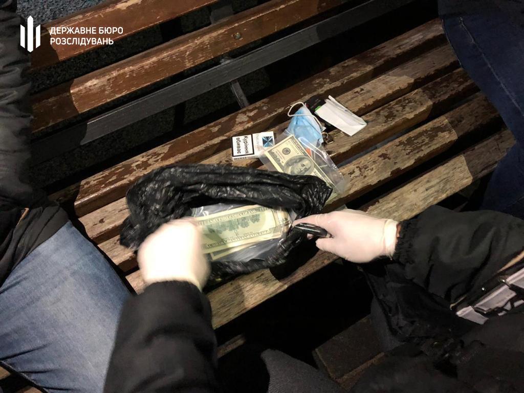 100 000 доларів США за посаду керівника відділення поліції - Хмельницький міськрайонний суд, фото-2