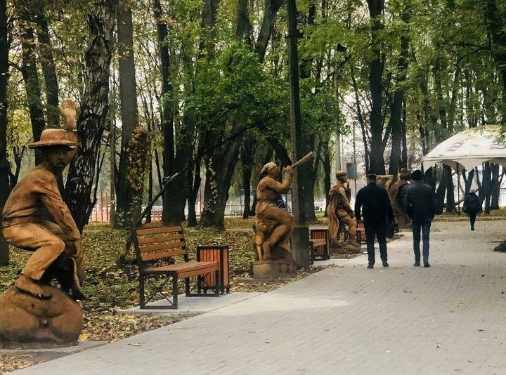 У Хмельницькому на алеї казкових дерев'яних скульптур відбулися зміни (ФОТО), фото-1