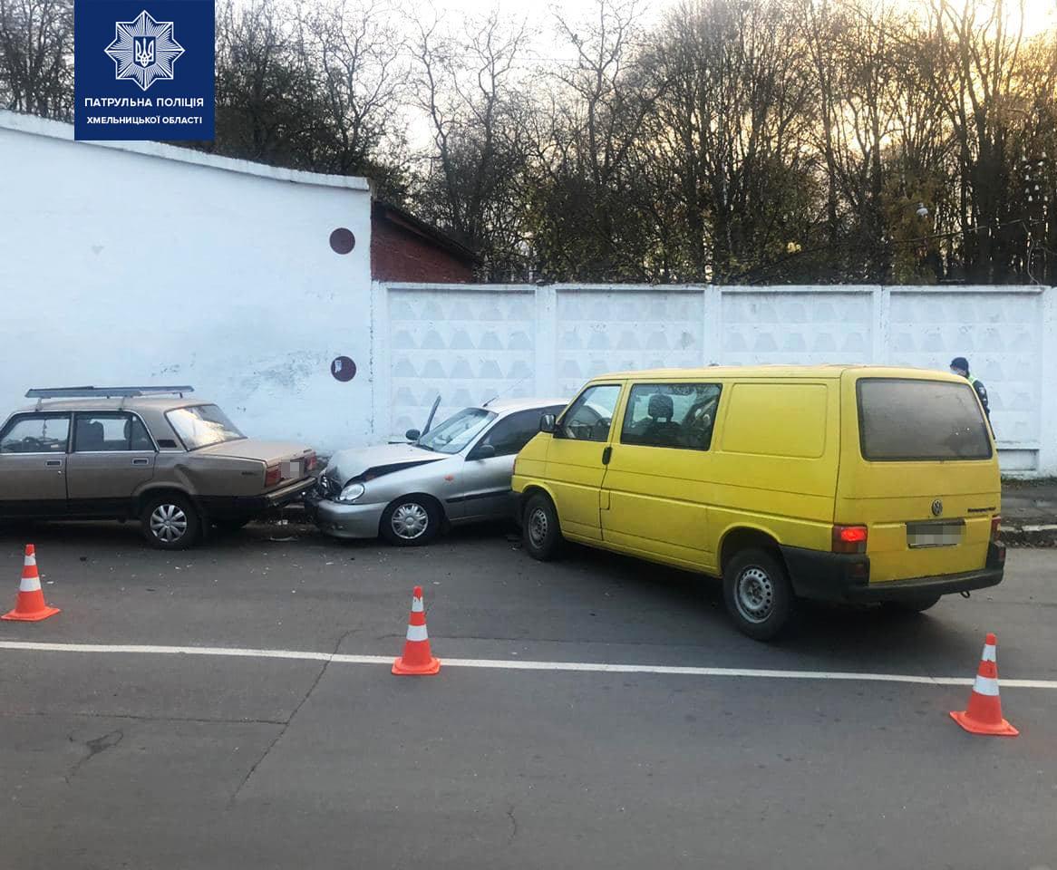 У Хмельницькому п'яний водій спричинив ДТП за участю чотирьох автомобілів, фото-3