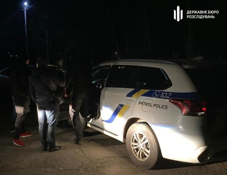 «Закрили очі» на кримінал – хмельницькі правоохоронці затримали двох патрульних (ФОТО), фото-1