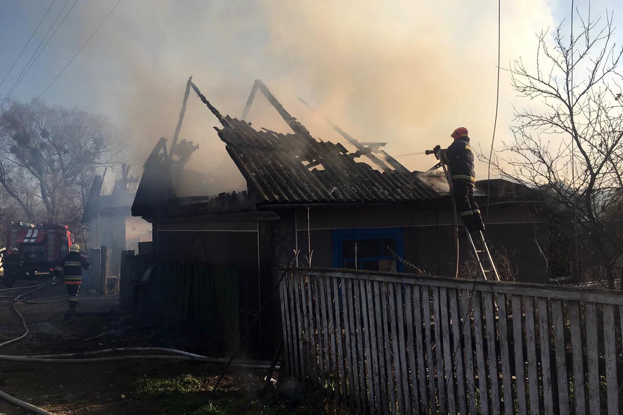 На Хмельниччині рятувальники ліквідували масштабну пожежу , фото-1