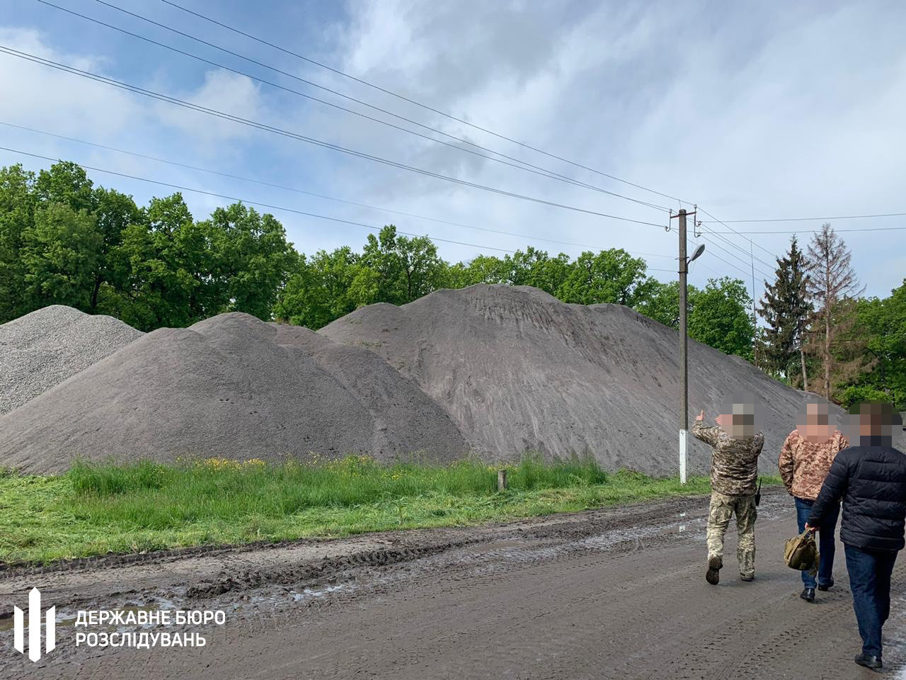 ОЗГ заволоділа 19 млн грн військової частини –  хмельницькі правоохоронці, фото-1