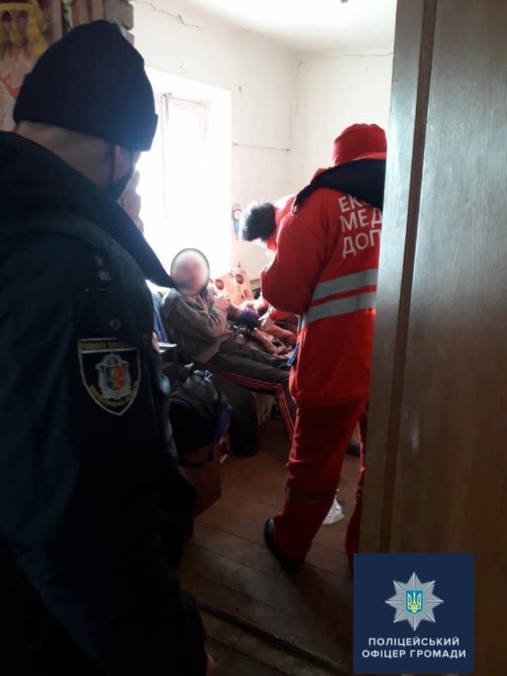 На Хмельниччині поліцейські врятували чоловіка від суїциду, фото-1