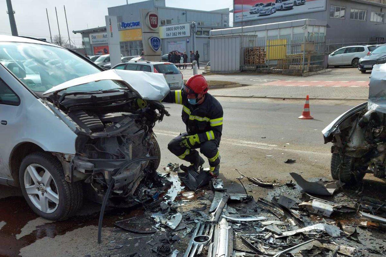 У Хмельницькому в ДТП травмувалися двоє водіїв, фото-2