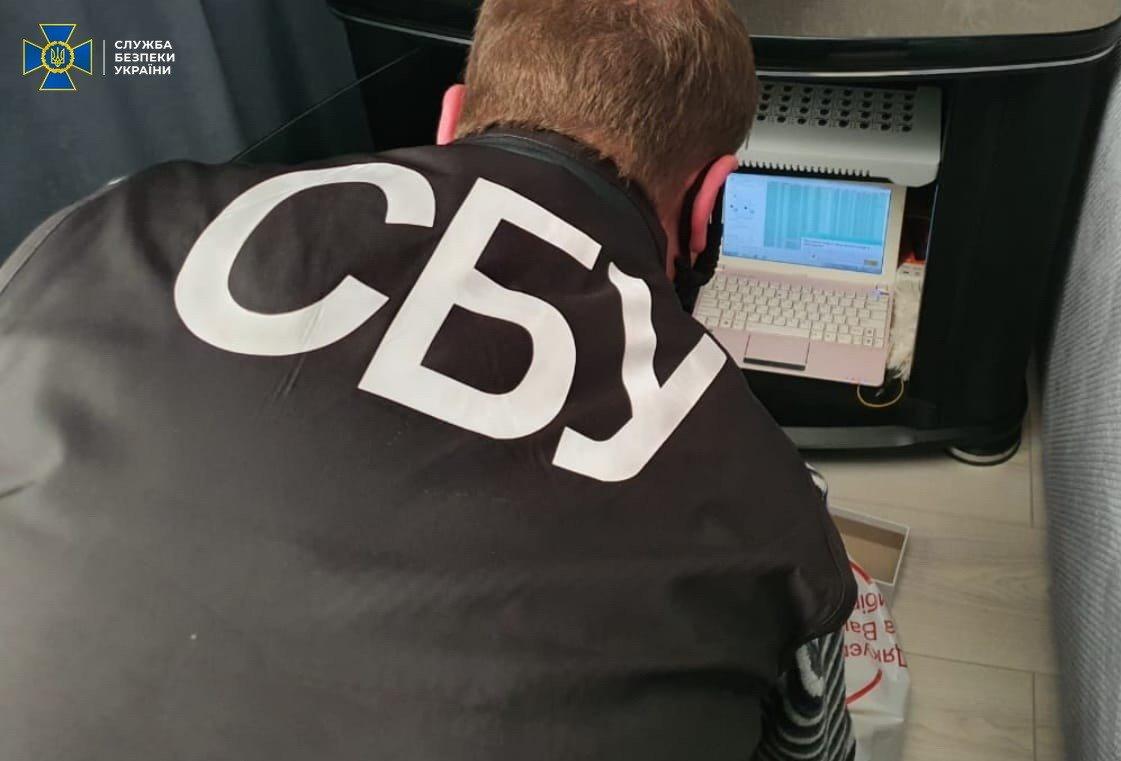 Дискредитували вакцинацію і просували «Л/ДНР»: у Хмельницькому СБУ ліквідувала ботоферму , фото-2