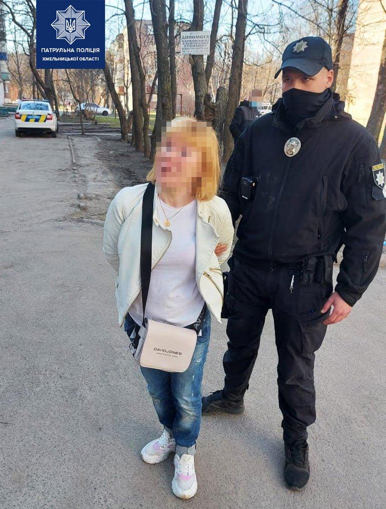 У Хмельницькому п'яна бабуся прогулювалася з 6-місячним онуком, фото-1