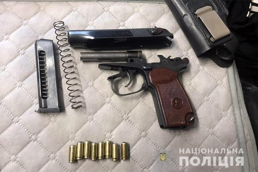 На Хмельниччині працівники поліції викрили наркоділка, який вирощував елітну коноплю , фото-4