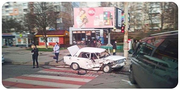 У Хмельницькому через ДТП ускладнений рух транспорту, фото-2