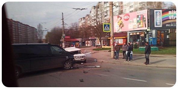 У Хмельницькому через ДТП ускладнений рух транспорту, фото-1