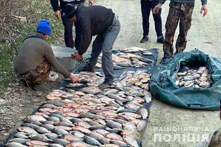 250 кг риби: На Хмельниччині поліцейські затримали браконьєра , фото-5