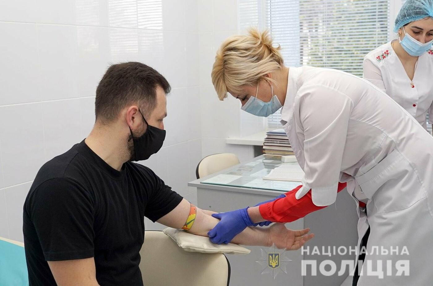 На Хмельниччині розпочалася вакцинація поліцейських , фото-1