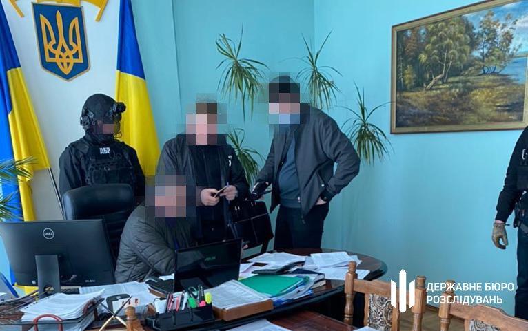 50 000 грн за відсутність податкової перевірки — ДБР затримало «на гарячому» начальника відділу ГУ ДПС, фото-2