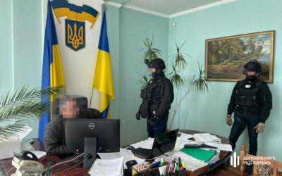 50 000 грн за відсутність податкової перевірки — ДБР затримало «на гарячому» начальника відділу ГУ ДПС, фото-4