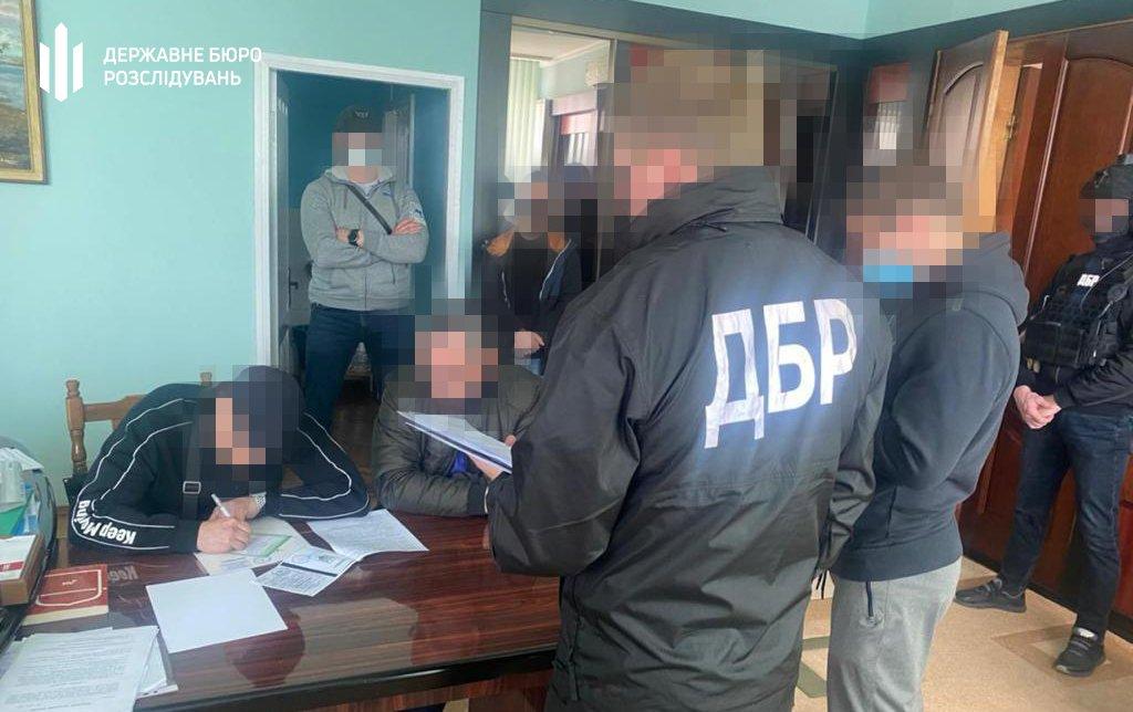50 000 грн за відсутність податкової перевірки — ДБР затримало «на гарячому» начальника відділу ГУ ДПС, фото-5