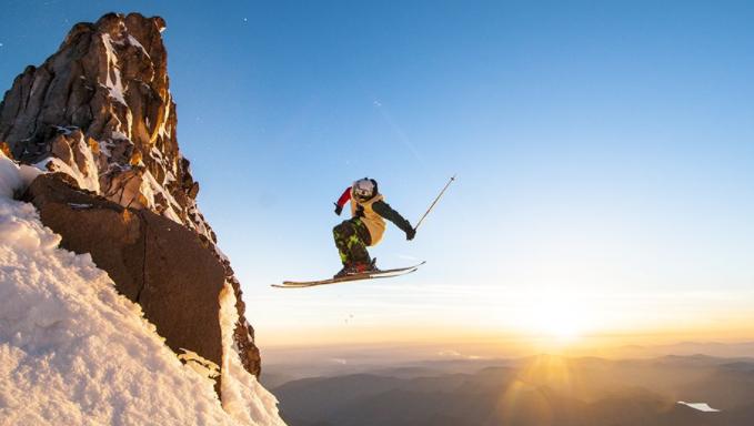 Лыжник со страховкой